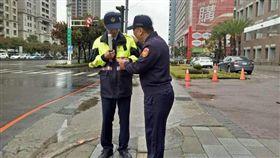 台中市,第六分局,分局長,暖暖包,待轉區就是一個格子齁,粉絲專業,踢爆,寒流