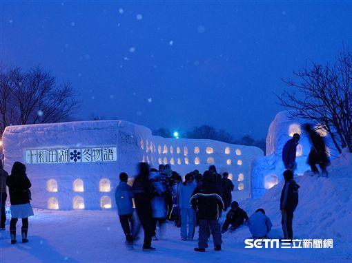 日本東北雪祭,夢幻的十和田湖冬物語也是超人氣雪祭。(圖片來源:公益社団法人 青森県観光連盟)