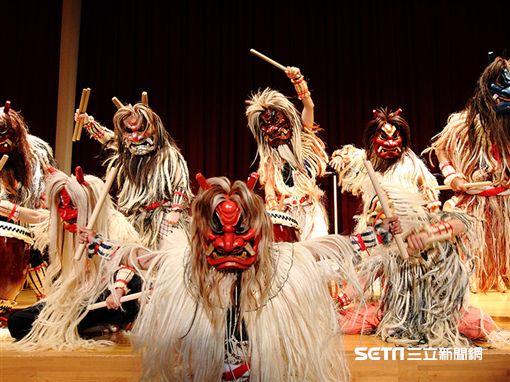 日本東北雪祭,秋田生鬼柴燈祭極具震撼力的「生剥鬼舞」。(圖片來源:男鹿なび)