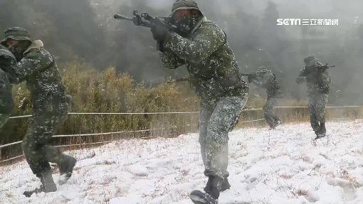 武嶺下冰霰!特戰寒訓負重30公斤行軍 ID-1210129