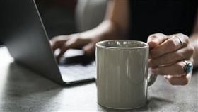 示意圖/加班,上班,過勞(圖/Pixabay)https://goo.gl/gSUsfs