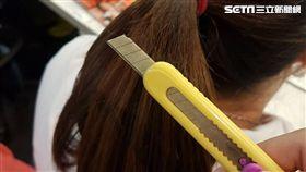 疑頭頂綠油油?剝光女友爆打 美工刀割長髮燒毀