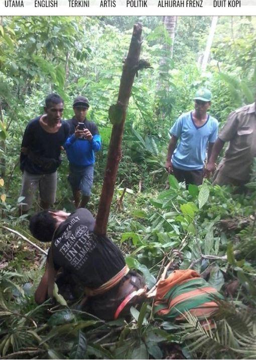 印尼西努沙登加拉省有1名35歲男子,日前到果園採收時失足摔落,不幸的是,男子墜落點剛好有根斷木,最後男子活生生遭斷木刺穿身亡。(圖/翻攝自mynewshub)