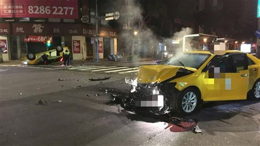 台北,大同,計程車,闖紅燈
