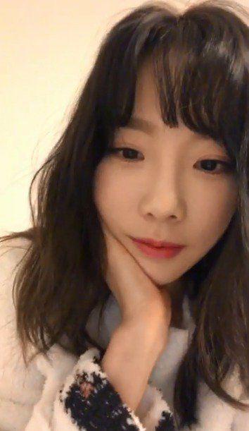 ▲太妍直播提起李遐怡坦言很想安慰她。(圖/翻攝自推特)