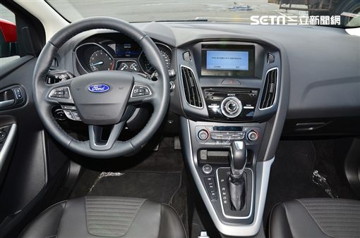 Ford Focus 1.5 EcoBoost頂級運動版。(圖/鍾釗榛攝影)
