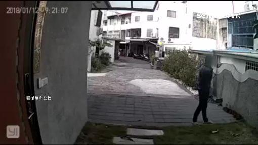 大膽竊賊勘查地形 闖空門行徑電眼全錄