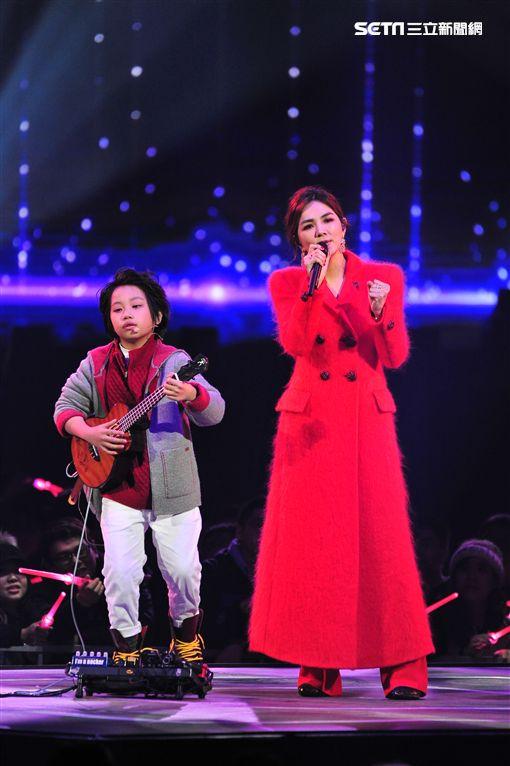 Ella,馮羿,2018超級巨星紅白藝能大賞,/台視提供