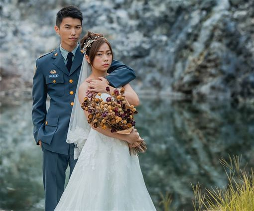 軍人結婚,婚紗,圖/翻攝自青年日報臉書