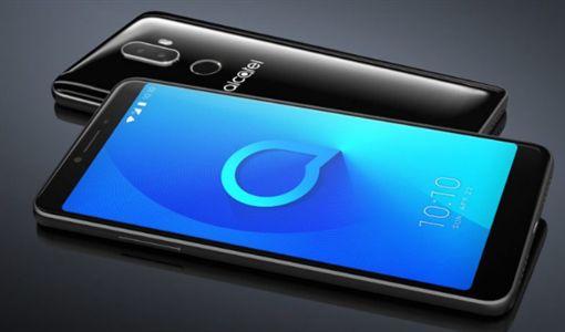阿爾卡特一口氣公布1/3/5系列下的三款採用18:9屏幕比例的新手機翻攝快科技