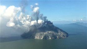 火山爆發,雪梨,巴布亞紐幾內亞,Papua New Guinea,撤離/翻攝Reuters推特