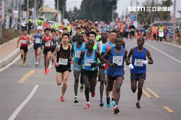 ▲金門馬拉松是享譽國際的「跑者天堂」。(圖/記者蔡宜瑾攝影)