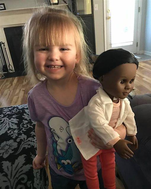 美國,南卡羅來納州,Sophia,蘇菲亞,種族,膚色,暖心,童言童語 圖/翻攝自Brandi Benner臉書