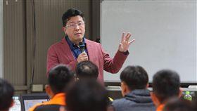 統一獅董事長涂忠正勉勵全體隊員。(圖/統一獅提供)