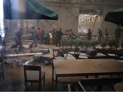 印尼證交所坍塌 大廳受創慘重印尼證券交易所15日中午發生室內夾層建築物坍塌意外,一樓大廳受創慘重。中央社記者周永捷雅加達攝  107年1月15日