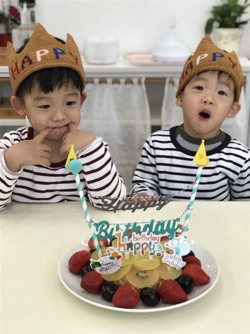 小亨堡,飛飛翔翔,飛翔兄弟,范瑋琪,范范,生日,慶生,手做蛋糕,蛋糕,湯瑪士小火車,黑人,保母,陳建州/臉書