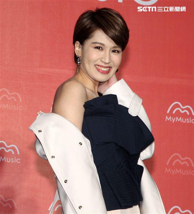 曾沛慈獲得MYMUSIC 2017年度專輯單曲冠軍。(記者邱榮/攝影)