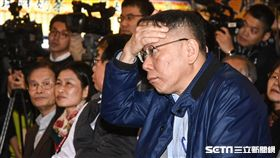 台北市長柯文哲17日出席南門市場年菜開賣。 圖/記者林敬旻攝