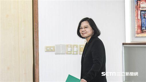 總統蔡英文17日出席民進黨中常會。 圖/記者林敬旻攝