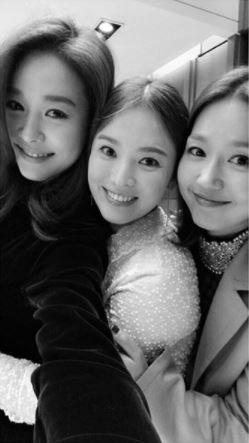 ▲《Fin.K.L.》成員玉珠鉉、李真和宋慧喬是認識20年的好姐妹。(圖/翻攝自宋慧喬IG)