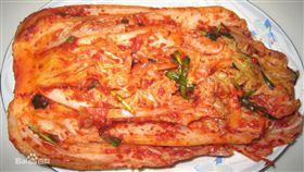 泡菜是韓國料理的象徵,不少民眾前往韓國都會享用當地的泡菜,不過韓國近年來因受到大陸低價生產的衝擊,去年進口的泡菜有99%來自大陸,大舉攻佔韓國人的餐桌!(圖/翻攝自百度百科)