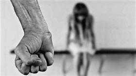 金變態!猥褻小姊妹80次玩3P 法官重判24年