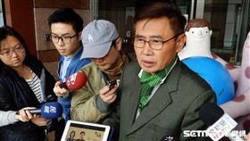 民進黨前立委李俊毅指控台南市長參選人黃偉哲與黑金掛勾。(圖/記者李英婷攝)