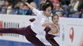 ▲北韓花式滑冰「金童玉女」廉太鈺和金柱植。(圖/美聯社/達志影像)