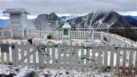 玉山下雪0122/氣象局提供