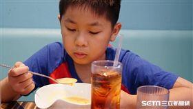 食物中毒,飲食,偏食,挑食,腸病毒,兒童,孩子。(示意圖/記者李鴻典攝)