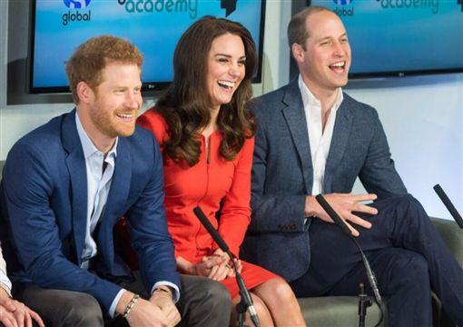英國皇室,徵人,傳訊助理,年薪,出訪,哈利王子,梅根馬克爾,婚禮,威廉王子,凱特王妃(圖/翻攝自Twitter@KensingtonRoyal)