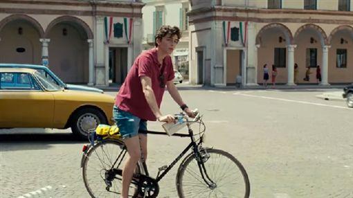 好萊塢新星堤摩西夏拉梅將和老牌演員角逐最佳男主角獎。(圖/翻攝YouTube)