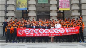統一獅到蒞臨台南地方法院進行法治教育訓練課程。(圖/統一獅提供)
