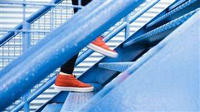 走樓梯,上樓(圖/Pixabay)