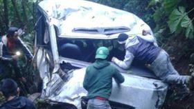 瓜地馬拉一輛巴士出車禍,造成8死15傷(圖/翻攝自推特)