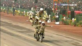 印度狂閱兵1600