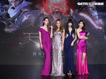 郭源元領軍、宋蘋恩、書那娜、佟凱玲出席電玩展「微風女神」。(記者邱榮吉/攝影)