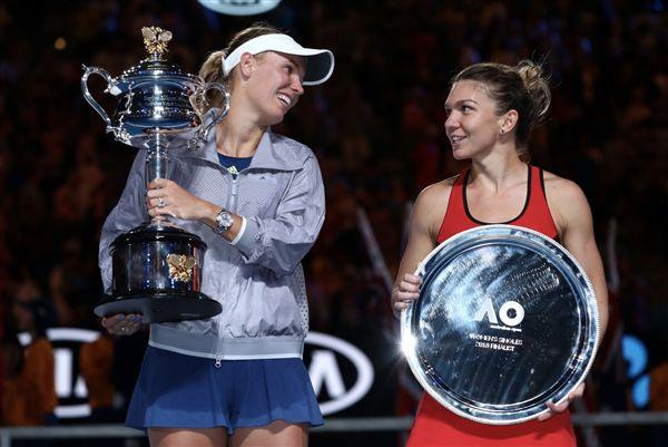▲Caroline Wozniacki奪下澳網女單冠軍,Simona Halep則收下亞軍。(圖/翻攝自澳洲網球公開賽推特)