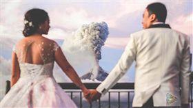 結婚當天火山爆發(圖/翻攝自Nebreja Bros. Media臉書)