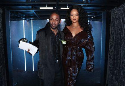 肯卓克拉瑪(Kendrick Lamar)、蕾哈娜(Rihanna) (圖/翻攝自微博)