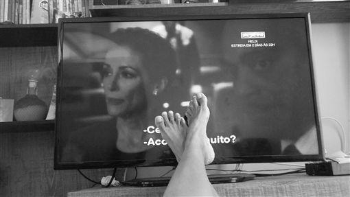 看電視,遊手好閒,無業,連續劇,電影(圖/pixabay)