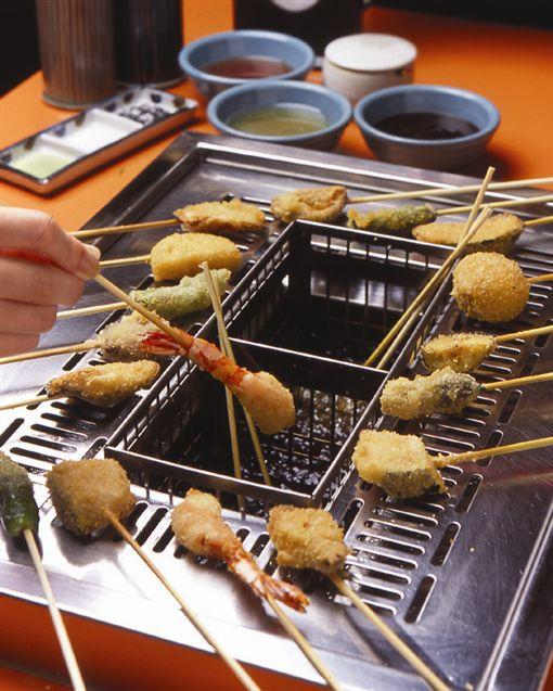 串家物語,日式炸串物,吃到飽。(圖/翻攝自串家物語FB粉絲頁)