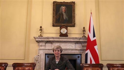 英國、脫歐、首相梅伊簽署信函啟動英國脫離歐洲聯盟程序(圖/路透社/達志影像)