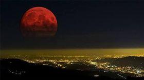 月全食,血月,紅月(圖/推特)