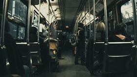公車,車內(圖/翻攝自Pixabay)