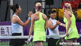 WTA台灣公開賽女雙梁恩碩、詹謹瑋。 圖/記者林敬旻攝