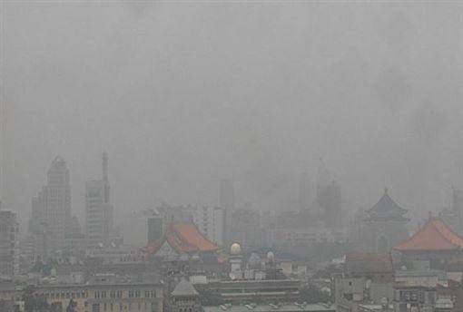 空氣,空汙,空污,環保署,紅害,橘警,口罩(圖/翻攝自環保署)