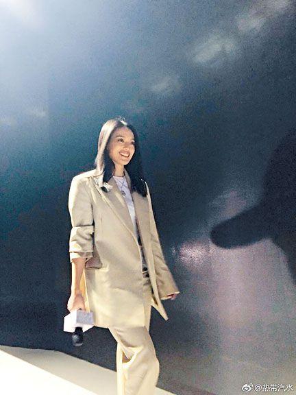 舒淇出席好友黃渤電影在北京的體驗會,圖/翻攝自微博
