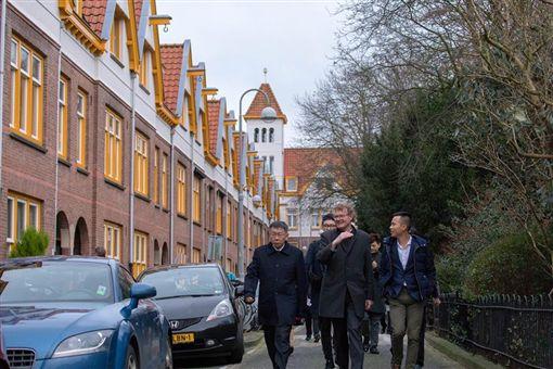 柯文哲離開荷蘭秒寫500字出訪心得筆記 網友大讚好用心圖/翻攝自柯文哲臉書https://www.facebook.com/DoctorKoWJ/photos/a.136856586416330.19357.136845026417486/1232341510201160/