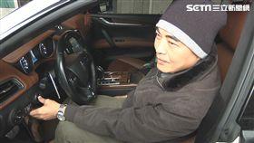 因兒子一句「喜歡」,杜男帶上百萬現金霸氣標走這輛瑪莎拉蒂跑車。(圖/翻攝畫面)